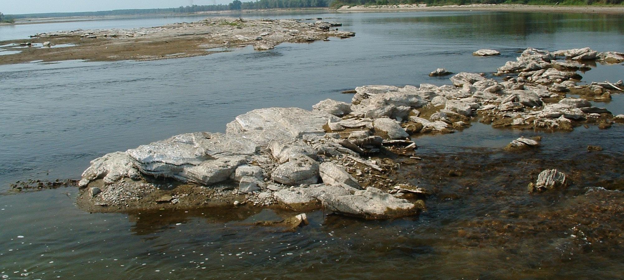 Il fiume po in secca come ad agosto allarme siccit e - Letto di un fiume in secca ...