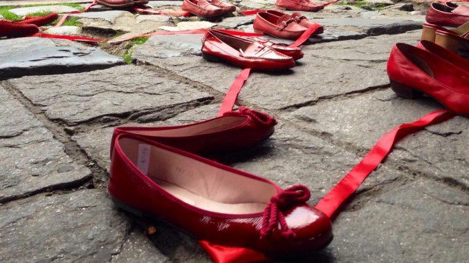 Arte e psicologia contro la violenza sulle donne: il libro informativo Video