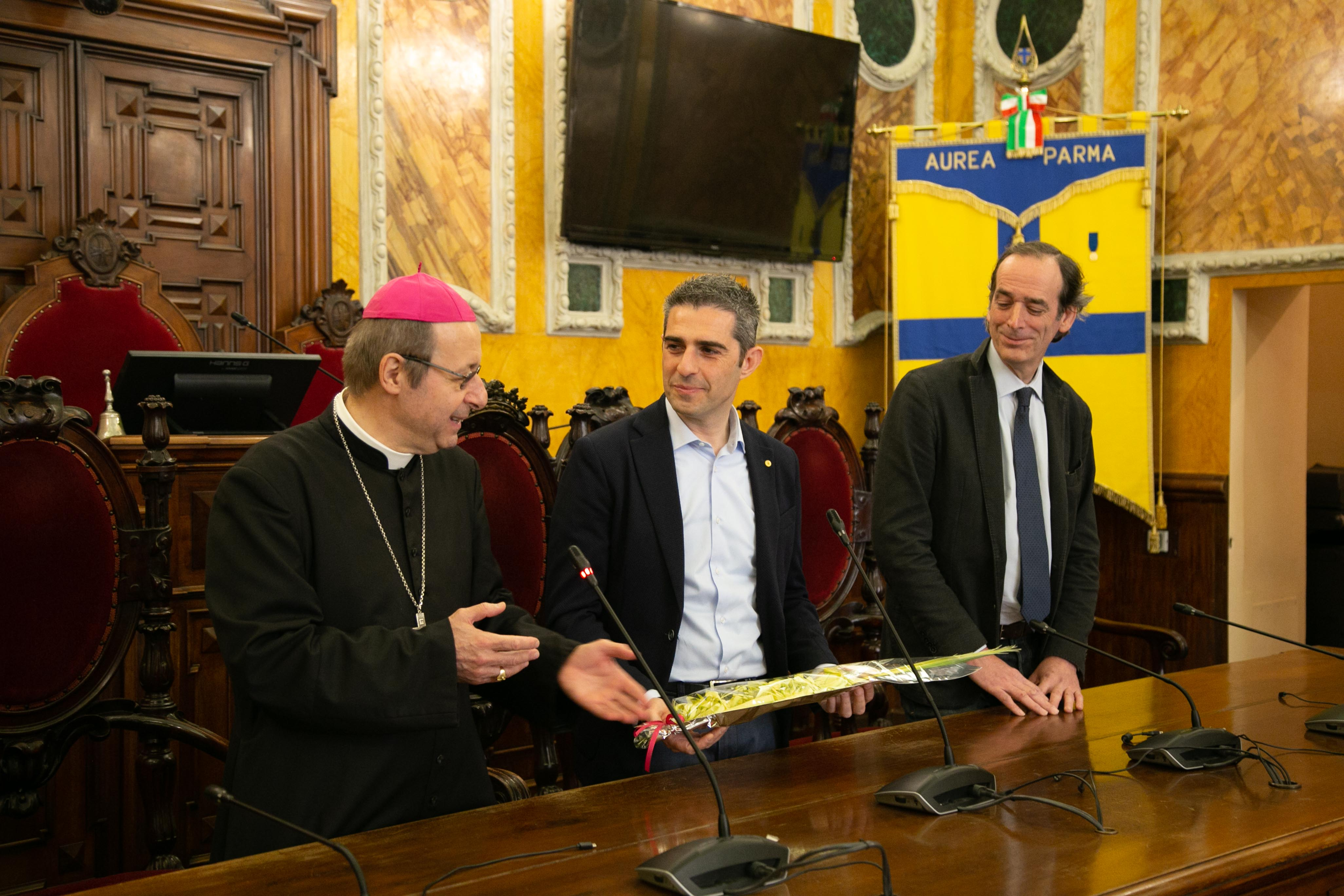 2019-04-15-Pizzarotti-Tassi-Carboni-benedizione-Vescovo-10