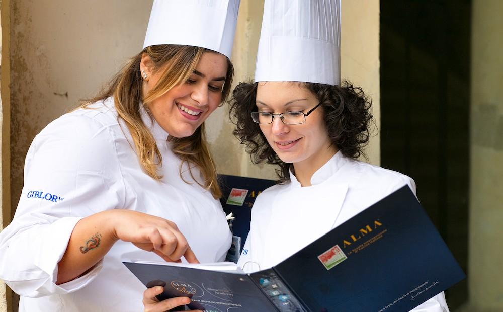 Alma: partiti i due corsi di pasticceria e cucina italiana